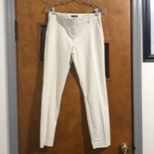 EXPRESS COLUMNIST ANKLE PANTS 2R in OFF-WHITE😍